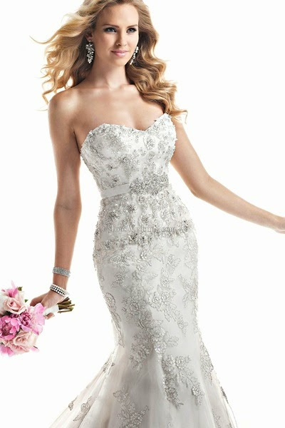 Fancy Unique Bridal Wedding Dress Of Sweetheart Lace White Appliqued