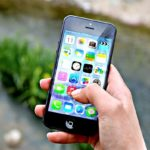 Best Tips to Travel Smart with your Smartphone