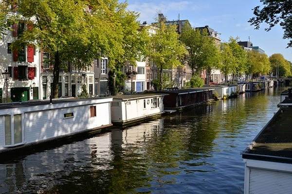 Houseboat Rentals in Rotterdam