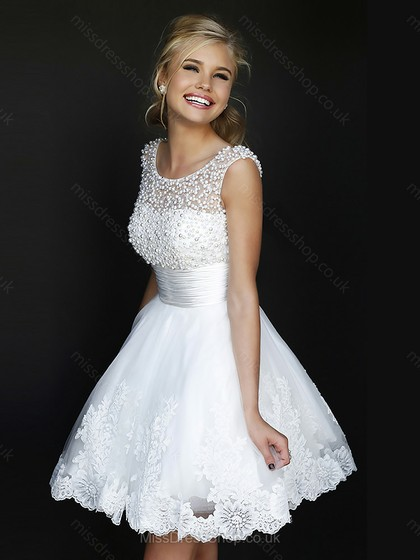 A-line Scoop Tulle Satin Short/Mini Beading Homecoming Dresses