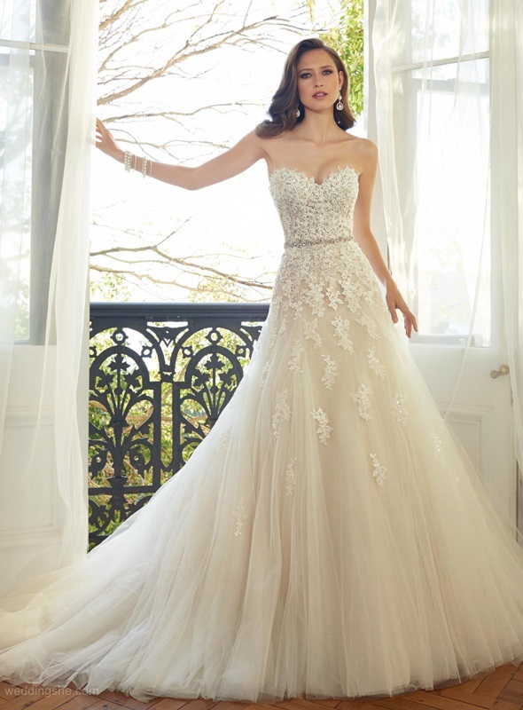 ivory wedding dress tips