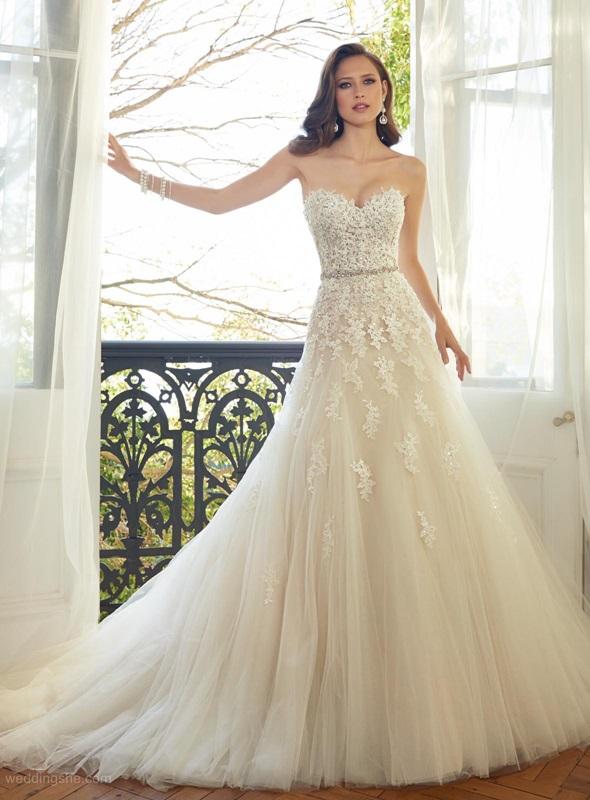 Ivory Wedding Dress Tips
