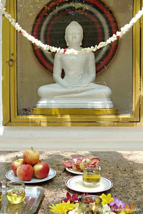 Sri Lankaramaya Buddhist Temple-Singapore