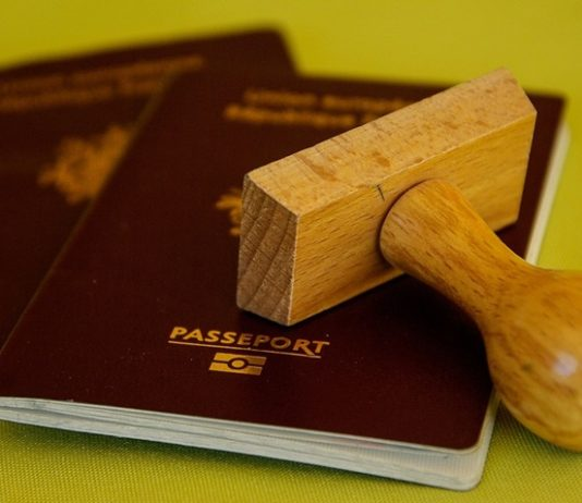 How to Apply for Canada visa in 3 easy steps