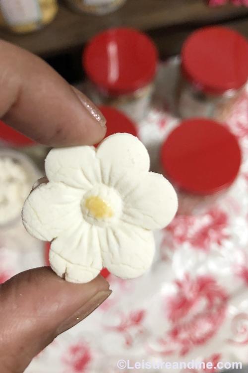 Kueh Bangkit- Flower